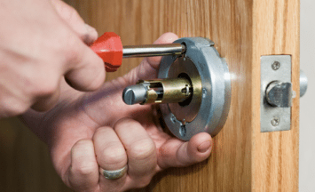 locksmith change repair locks